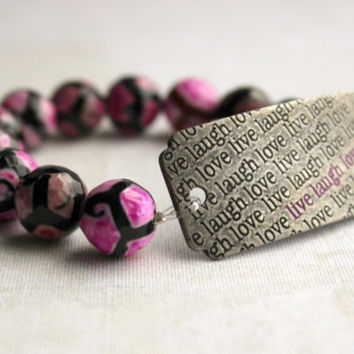 """Brushed Silver, Hot Pink and Black Round Agate Stone Bracelet with """"Live Laugh Love"""" Curved Tag - Word Jewelry - Beaded Stretch Bracelet"""