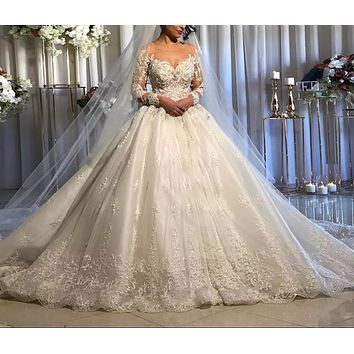 Luxury Iovry Lace Appliques Wedding Dress