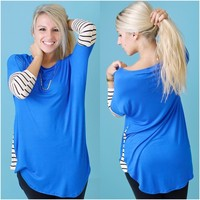Contrasting Views Top (Royal) - Piace Boutique