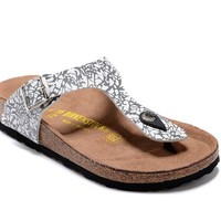 Men's and Women's BIRKENSTOCK sandals  Gizeh Birko-Flor Patent 632632288-023