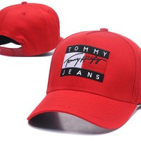 Tommy Jeans Popular Women Men Embroidery Sports Sun Hat Baseball Cap Hat Red