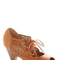Chelsea Crew Vintage Inspired Cube Your Enthusiasm Heel in Spice
