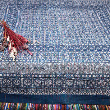 Indigo Kantha Quilt Queen Size, Kantha Throw Blanket, Kantha Bedspread, Indian Block print quilt, Queen Kantha Blanket, Indian Sari Quilt