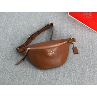 [United States purchasing] brown coach/women chest bag casual sports pocket F48738