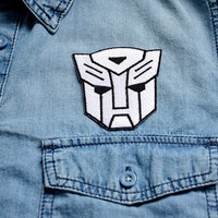 TRANSFORMERS Badge Iron on Patch Patches Pin Sew On Embroidered Stitches Movie Robots Emblem White Face Mechanical Optimus Prime
