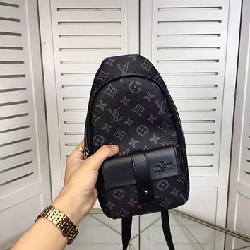 LV Louis Vuitton MEN'S NEW FASHION MONOGRAM LEATHER CHEST PACK BAG CROSS BODY BAG