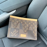 LV Louis Vuitton Men's Retro Fashion All-match Clutch Bag