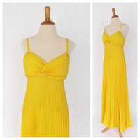 Vintage 1970's Carrie Couture Sculpted Maxi Gown Size Medium Beach Dress Pleated Yellow Summer Sundress Honeymoon Prom Gown Bridesmaid Gown