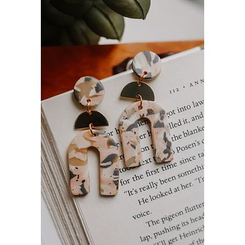 Eyes On The Prize Earrings - Blush