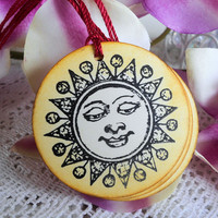Smiling Sun Distressed in Bright Yellow Round Gift Tag Hang Tag
