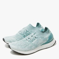 Adidas / UltraBOOST Uncaged in Crystal White/Vapour Steel