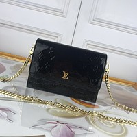 LV Louis Vuitton MONOGRAM VERNIS LEATHER WYNWOOD INCLINED SHOULDER BAG