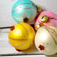 Vintage Four Pastel Christmas Ornaments , Holiday Decorations , Christmas Balls , 1970 , Home Sweet Home