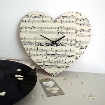 Handmade Vintage Music Heart Clock