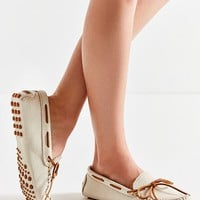Minnetonka Driver Moccasin | Urban Outfitters