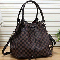 Louis Vuitton Fashion Print Letter Retro Ladies Drawstring Handbag Shopping Handbag Shoulder Messenger Bag