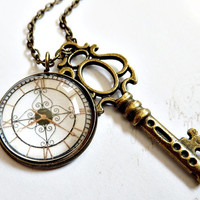 Clock and key necklace - Time pendant - Vintage style watch necklace - Glass dome pendant - Steampunk clock face bronze necklace