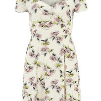 Billie & Blossom Ditsy Floral Sweetheart Dress