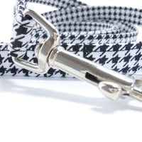 Dog Leash - Black and White Houndstooth