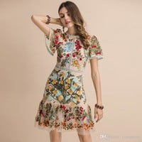 New 2019 Fashion Runway Summer Dress Women's Short Flare Sleeve Floral Embroidery Elegant Mesh Hollow Out Midi Party Dresse