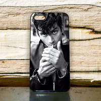 "Alex Turner Artic Monkeys smoke For iPhone 4/4s, iPhone 5/5S/5C, Samsung S2 i9100, Samsung S3 i9300, Samsung S4 i9500 ""Floridina"""