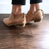 Soho Bootie in Toffee