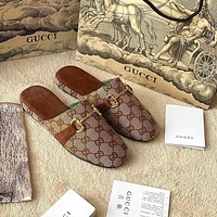 GUCCI Retro drawing horse clasp shoes