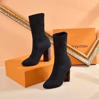 2020 New Louis Vuitton LV Woman Popular Cow socking Monogram Empriente Zipper Ankle Short Boots high heels shoes best quality black