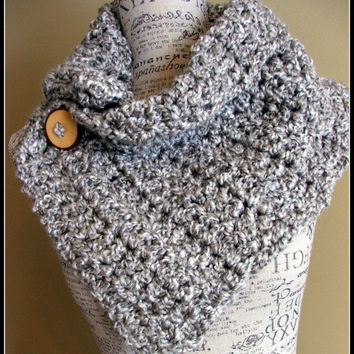Crochet Scarf. Infinity Scarf. Infinity Cowl. Cowl. Scarf. Chunky. Wood button cowl.
