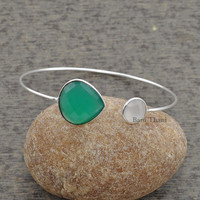 Green Onyx, White Chalcedony Beautiful Faceted Shape 925 Sterling Silver Bangle #1418