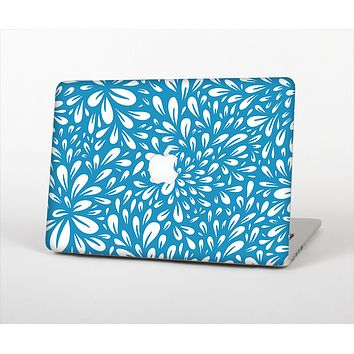 """The Light Blue & White Floral Sprout Skin Set for the Apple MacBook Pro 13"""" with Retina Display"""