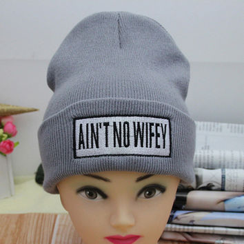 AINT NO WIFEY Beanie Embroidered Autumn Warm Winter Womens & Mens Knitted Slouchy Head Chunky Baggy Gray & Black Cuffed Skully Hat