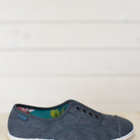 Grove Canvas Sneaker