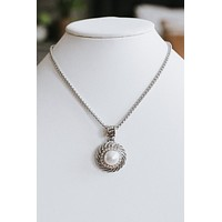 Lined Circle & Pearl Necklace