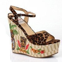 4.5 Inch Wedge With Tiki Pattern (10,Red)