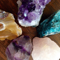 Meditation Crystal Set Raw Crystal Heal Crystals and Stones Chakra Crystal Collection Calming Stones Crystal Grid Set Reiki Bohemian Decor