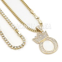 Crown O Initial Pendant Necklace Set