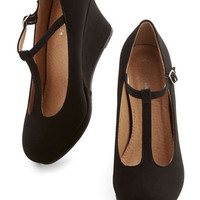Minimal Dashing to Dinner Wedge in Black