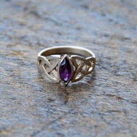 Vintage Sterling Silver Ring 925 Celtic Knot Purple Amethyst Stone February Birthstone Size 4 1/2 US // Vintage Sterling Silver Jewelry