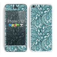 The Teal Floral Paisley Pattern Skin for the Apple iPhone 5c