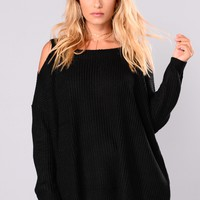 Bundled By The Fire Sweater - Black