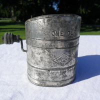 Vintage Flour Sifter Nesco One Cup 1940s from Amelie's Farmhouse Vintage Flour Sifter