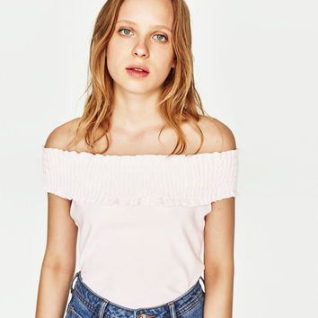 T-SHIRT WITH EXPOSED SHOULDERS