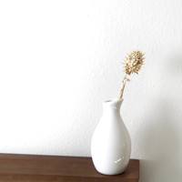 Curved White Ceramic Bud Vase - Free Shipping!