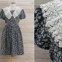 Vintage 1980s Ditsy Floral Lace Collar Dress / Tiny Flower Bow Back Crocheted Collar Dress / Grunge Cute Medium M Dress