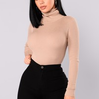 Tara Turtle Neck Sweater - Khaki