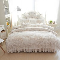4/6/8pcs Princess style winter Bedding Set white Bed Skirt lace Duvet Cover Comforter Sets Queen King Fleece fabric Bed Linen