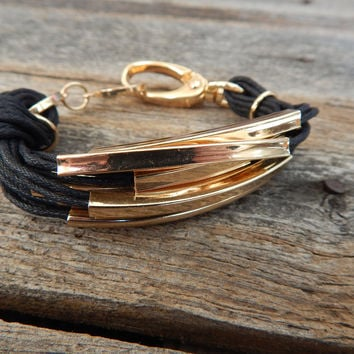 Leather/Metal Cord Bracelet with Knot { Black }