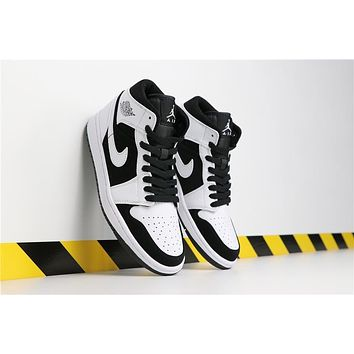 Air Jordan 1 Retro Mid Panda
