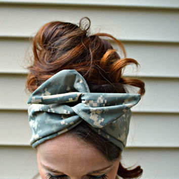Digital Camo Dolly bow, Military American head band, hair bow